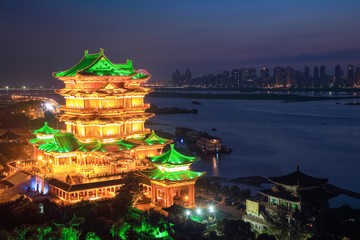 the tengwang pavilion at night