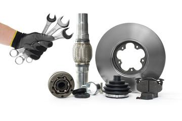 Auto Ersatzteile mit Werkzeug