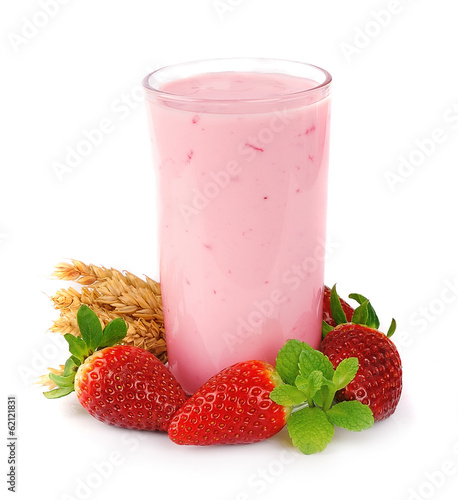 Smoothie with fruits and cereal grains