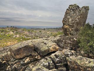 Granito en el cerro Alcornocoso. Cadalso de los Vidrios.