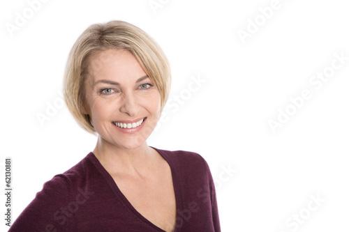 Lachendes Lächeln einer Frau in den besten Jahren - 62130881