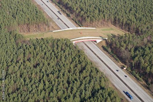 canvas print picture Wildbrücke (Grünbrücke) über Autobahn