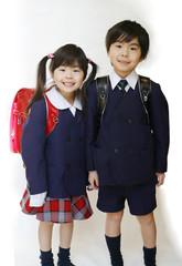 小学生の兄妹