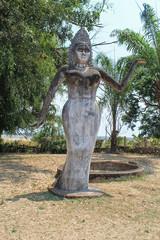 Скульптура индуисткой женщины в Будда-парке, Лаос