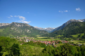 Berge, Dorf
