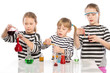 Children learn chemistry, work in the chemical laboratory