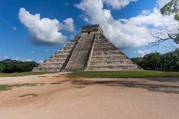 Kukulkan Pyramid at Chichen Itza, Mexico (panorama)