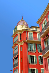 immeuble rouge à Nice