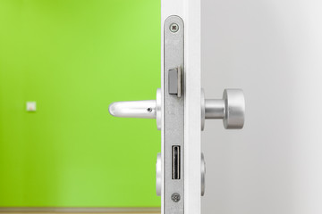 offene Tür © Matthias Buehner