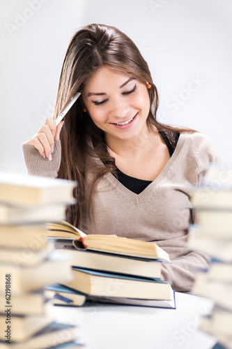Student girl learning