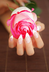 schöne Stilettos mit Rose