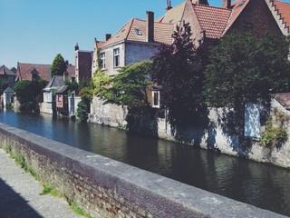 Brügge / Häuser am Kanal