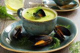 Cream soup of peas with young mussels.