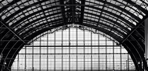 Старый вокзал в Антверпене. стальная конструкция перекрытия