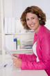Portrait: Beraterin in einer Versicherungsagentur