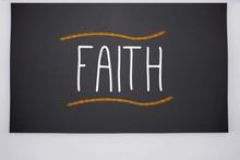 Tro skrivet på stora tavlan