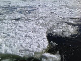 fleuve en hiver