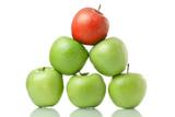 Äpfel liegen in reihe