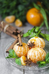 Tangerines with anise and mint