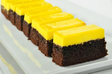 Lemon and cocoa cake