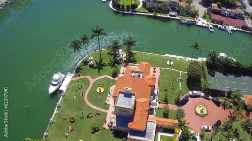 Luxury Mansions in Miami