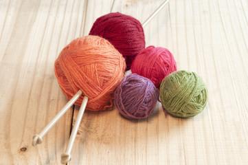 Ovillos de lana de colores
