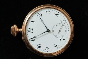 старые золотые часы