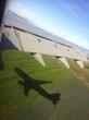 flugzeug am himmel bei landung
