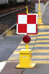 Chemin de fer - Panneau arrêt obligatoire