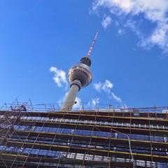 Baustelle am Fernsehturm in Berlin