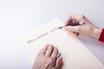 Seniorin schreibt Mein letzter Wille