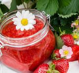 Lecker: Frisch gekochte Erdbeer-Marmelade :)