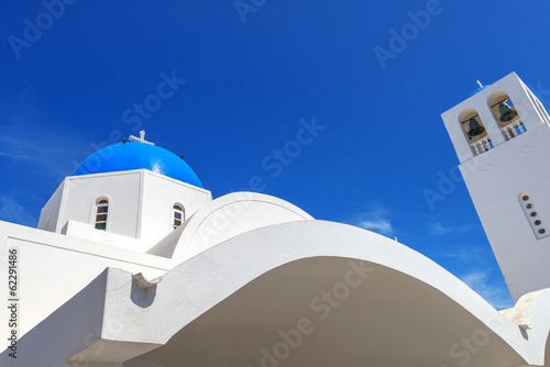 Staande foto Athene Greece Santorini island wide angle view of colorful church with