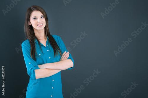 canvas print picture Hübsches junges Mädchen in Bluse im Portrait