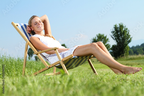 canvas print picture Frau im Sommer