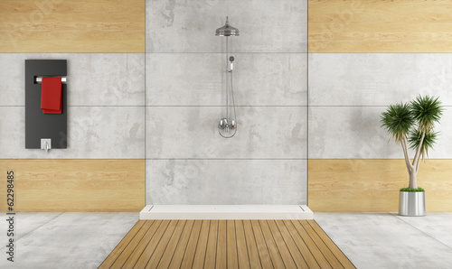 Minimalist bathroom with shower