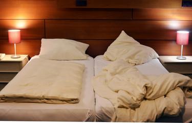 Doppel Bett Einsamkeit