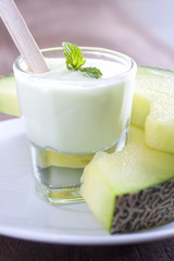 Melon yogurt