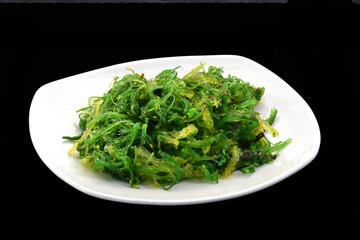 Alga,wakame,comida japonesa.ensalada de algas.