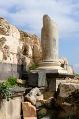 古代遺跡の柱脚