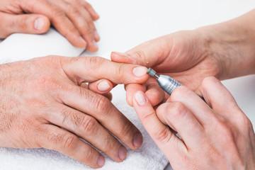 Manicure to beauty salon