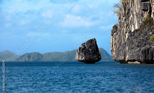 canvas print picture Entering the Bacuit Archipelago
