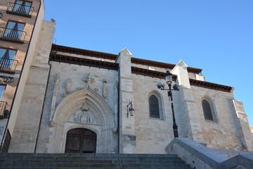 Fachada iglesia gotica san nicolas de bari en burgos