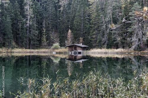 Hütte am See