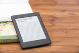 E-book reader with copy space