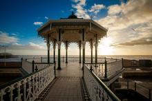 Coucher de soleil vue sur la magnifique kiosque à musique Brighton