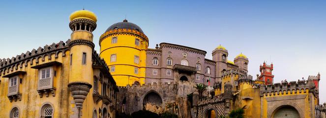 Panoramique du palais de Pena à Sintra