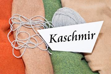 Kaschmir-Wolle mit Schild