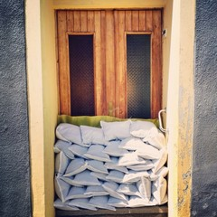 sandbag flood door