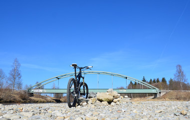 Radtour am Fluss